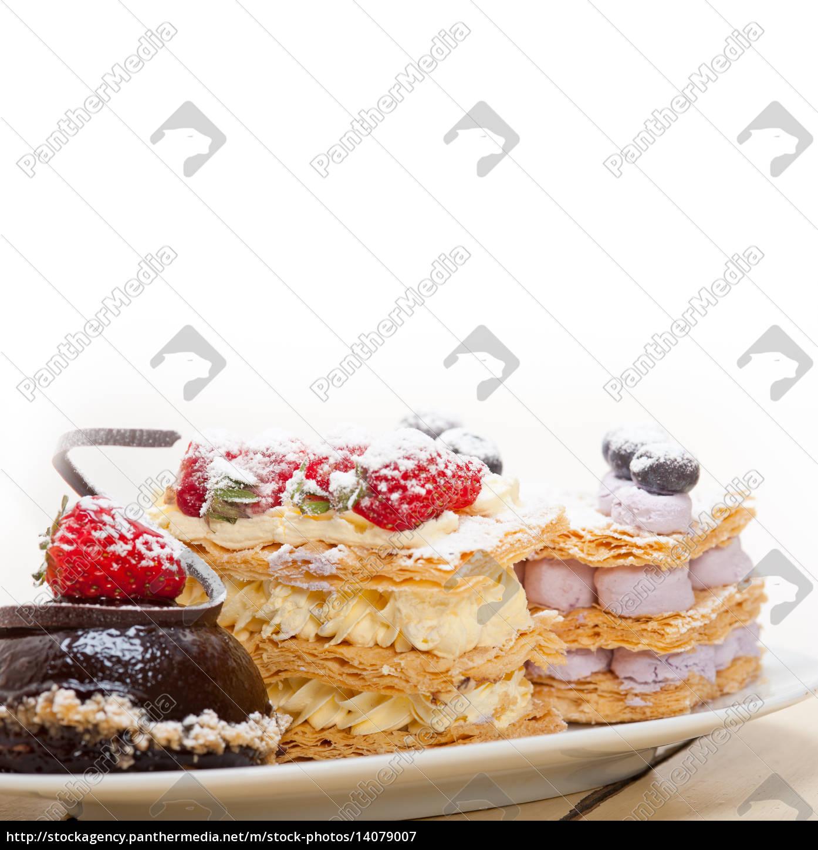 selection, of, fresh, cream, cake, dessert - 14079007
