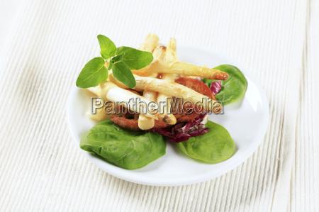 white, asparagus, with, crispy, bread - 14079431
