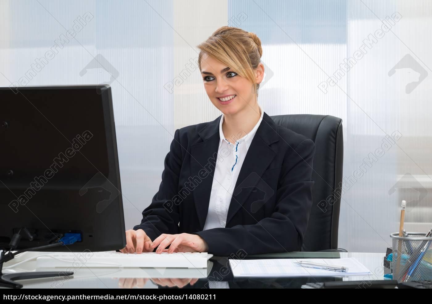businesswoman, working, on, computer - 14080211