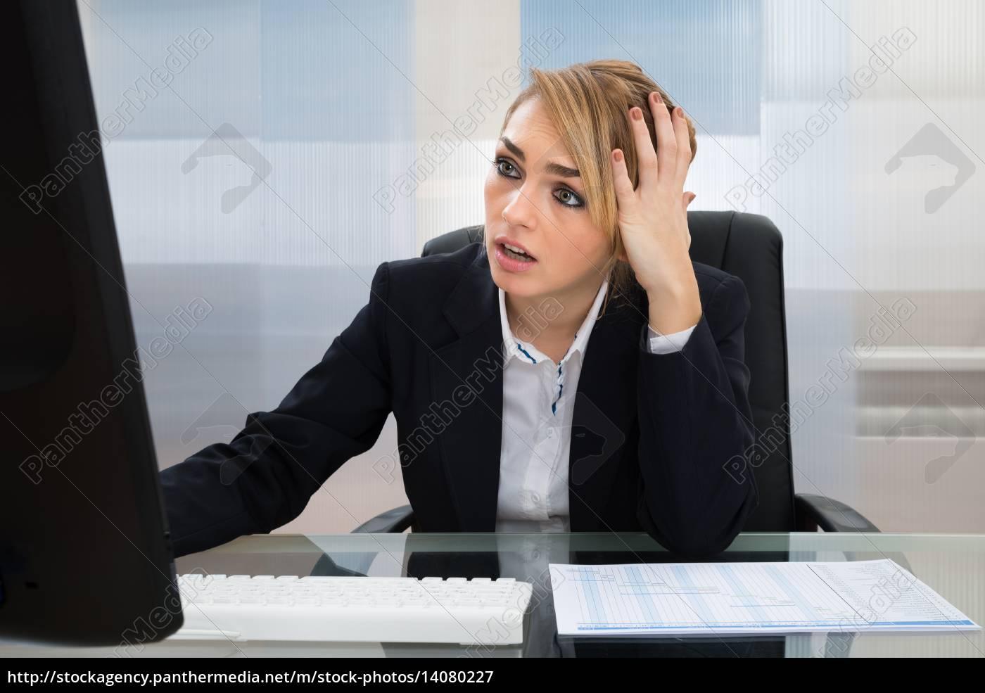 businesswoman, working, on, computer - 14080227
