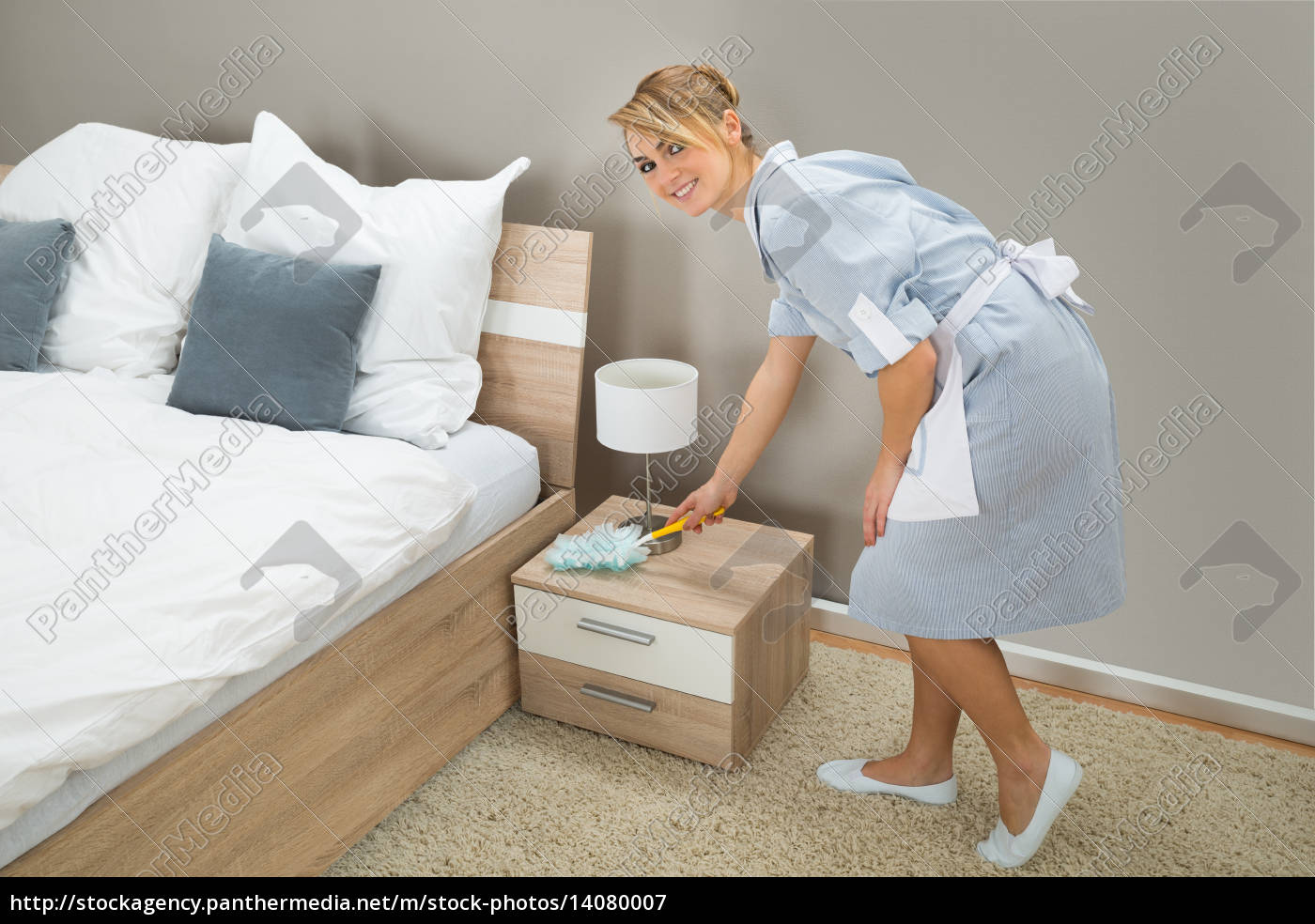 hotel, maid, dusting, with, feather, duster - 14080007