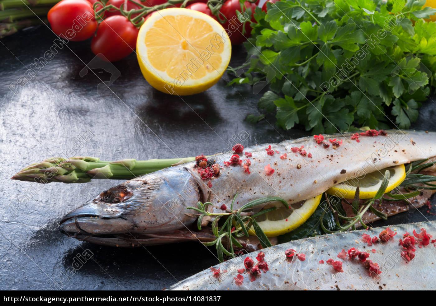 makrele, with, green, asparagus - 14081837