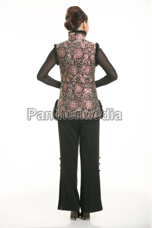 wearing, chinese, clothing, waiter, in, front - 14081237