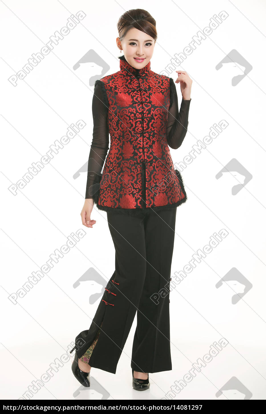 wearing, chinese, clothing, waiter, in, front - 14081297