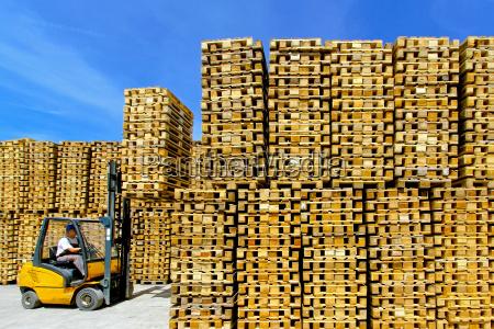 pallets - 14082811