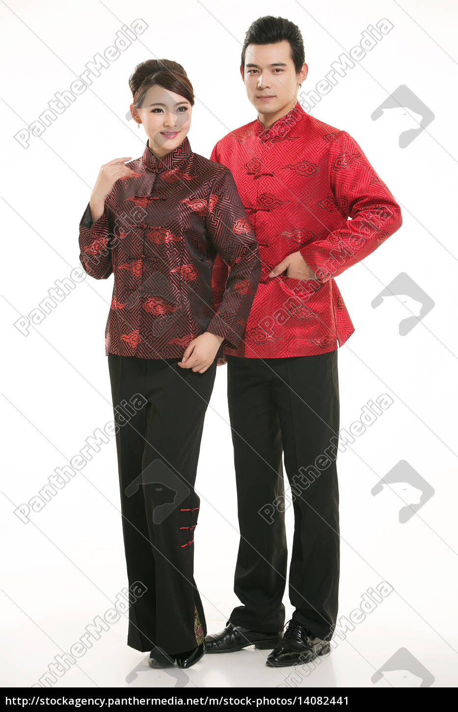 wearing, chinese, clothing, waiter, in, front - 14082441