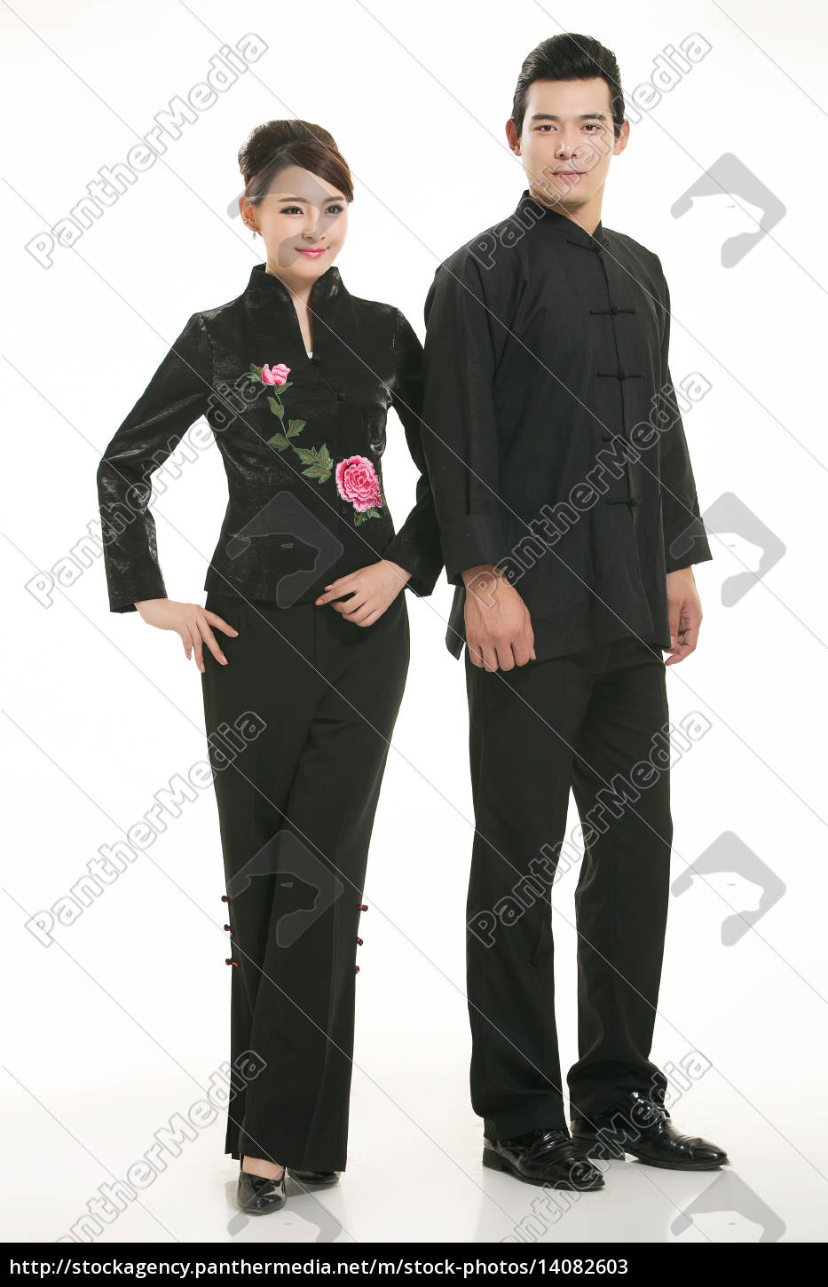 wearing, chinese, clothing, waiter, in, front - 14082603