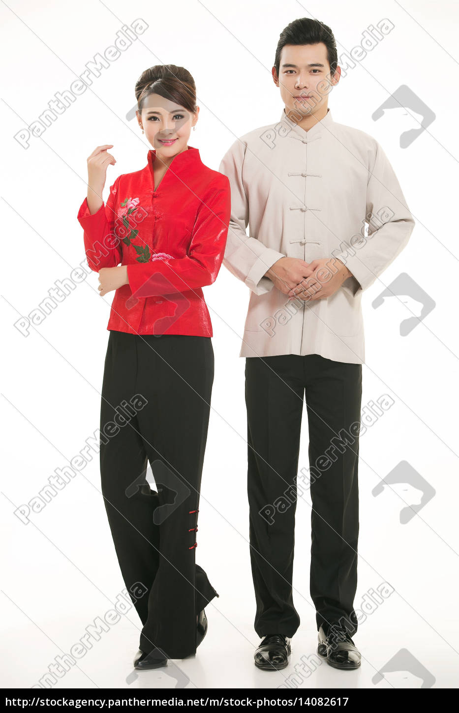 wearing, chinese, clothing, waiter, in, front - 14082617