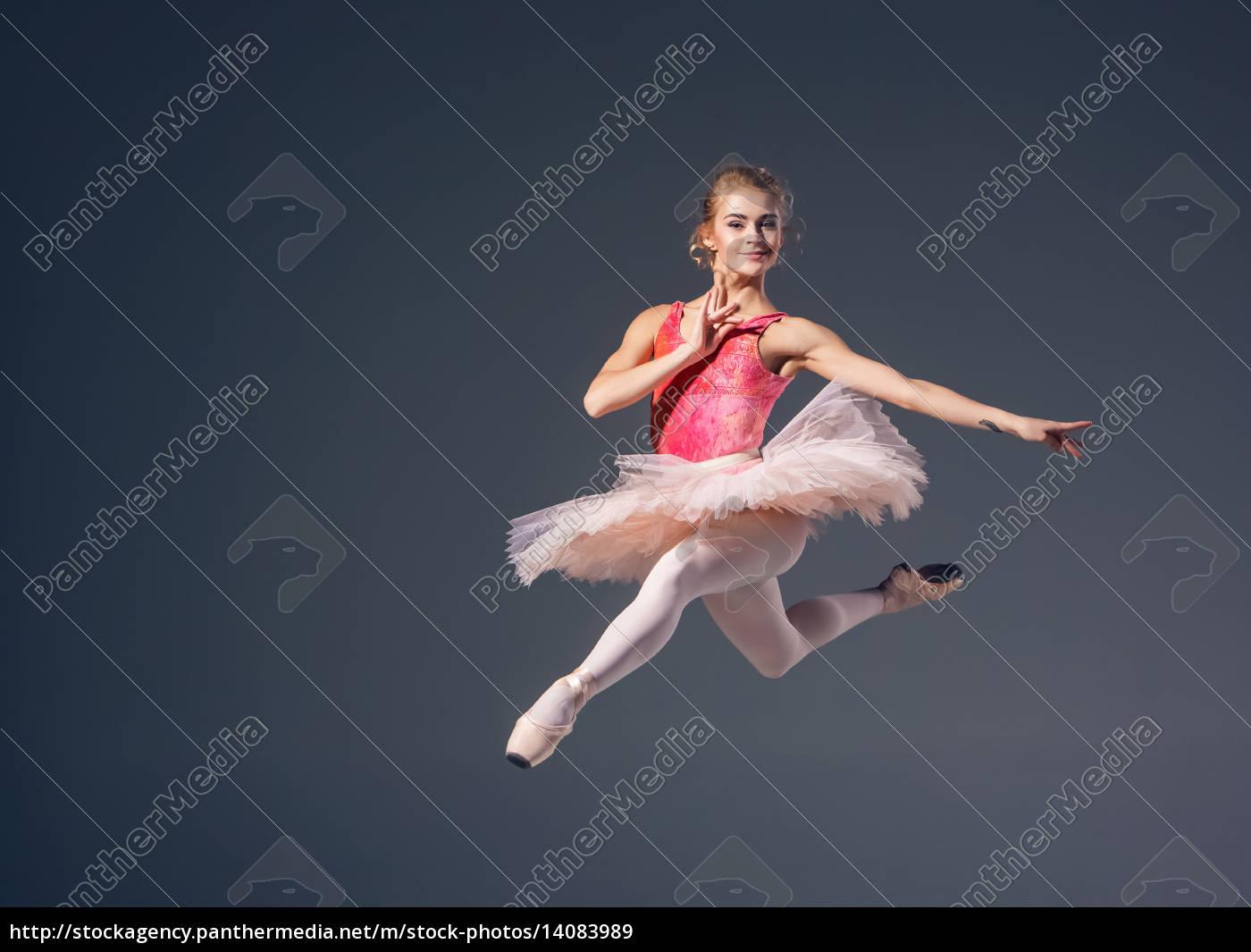 beautiful, female, ballet, dancer, on, a - 14083989