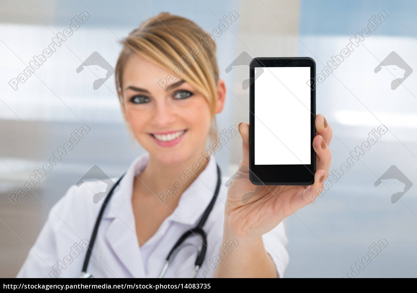 doctor, showing, cellphone - 14083735