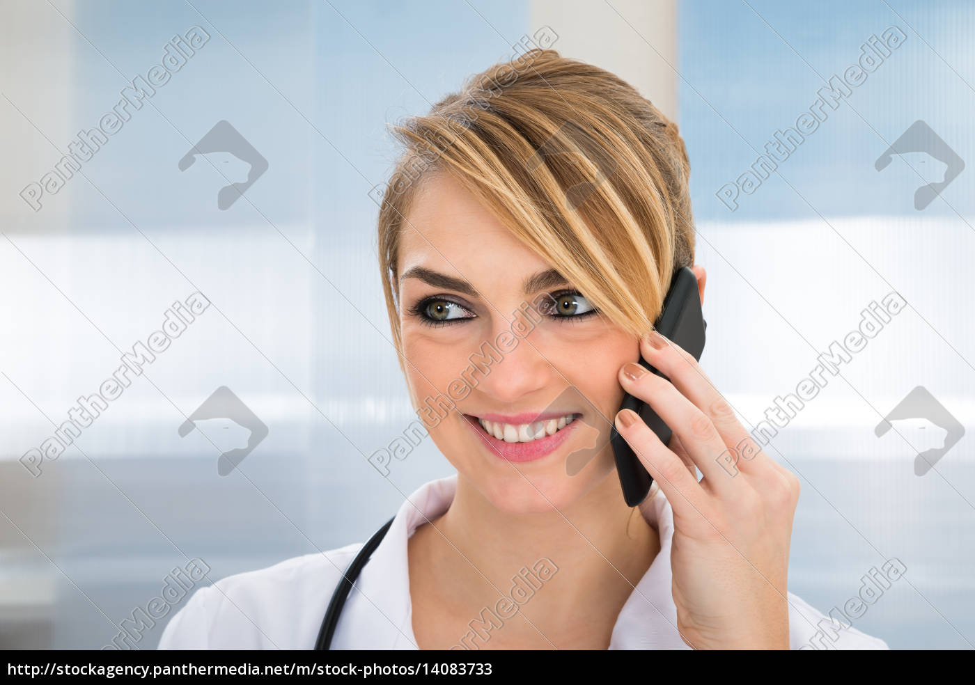 doctor, talking, on, cellphone - 14083733