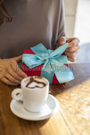 opening, gift, romantic, coffee - 14089907