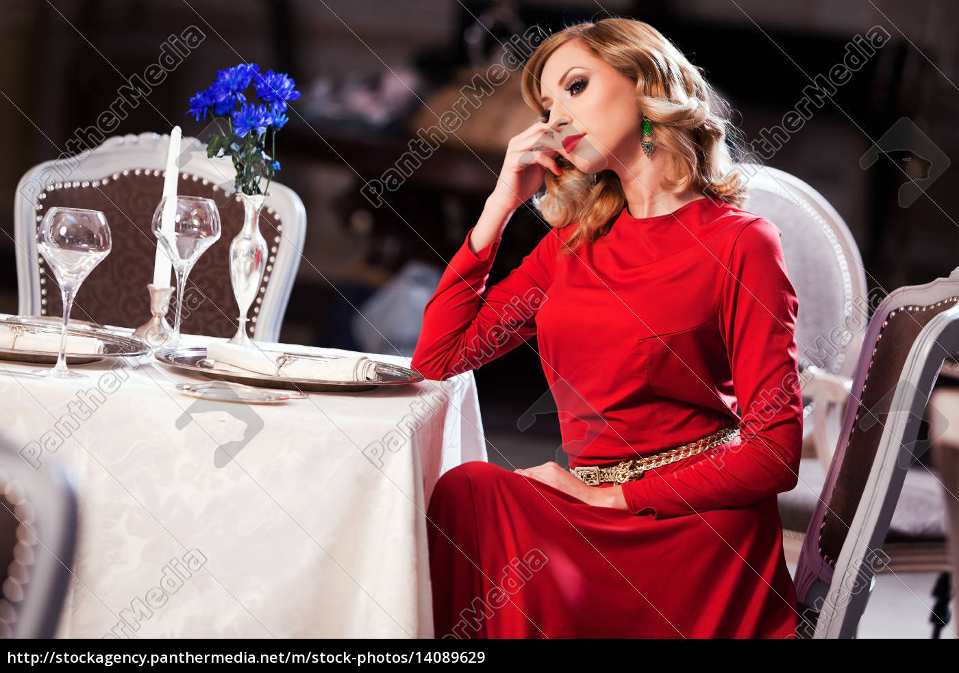 pensive, woman - 14089629