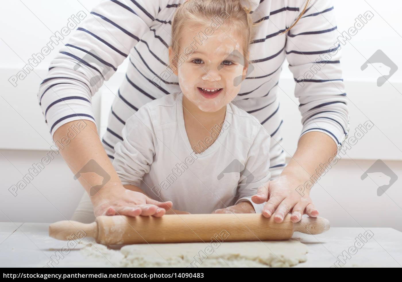 , teamwork, kneading, dough - 14090483