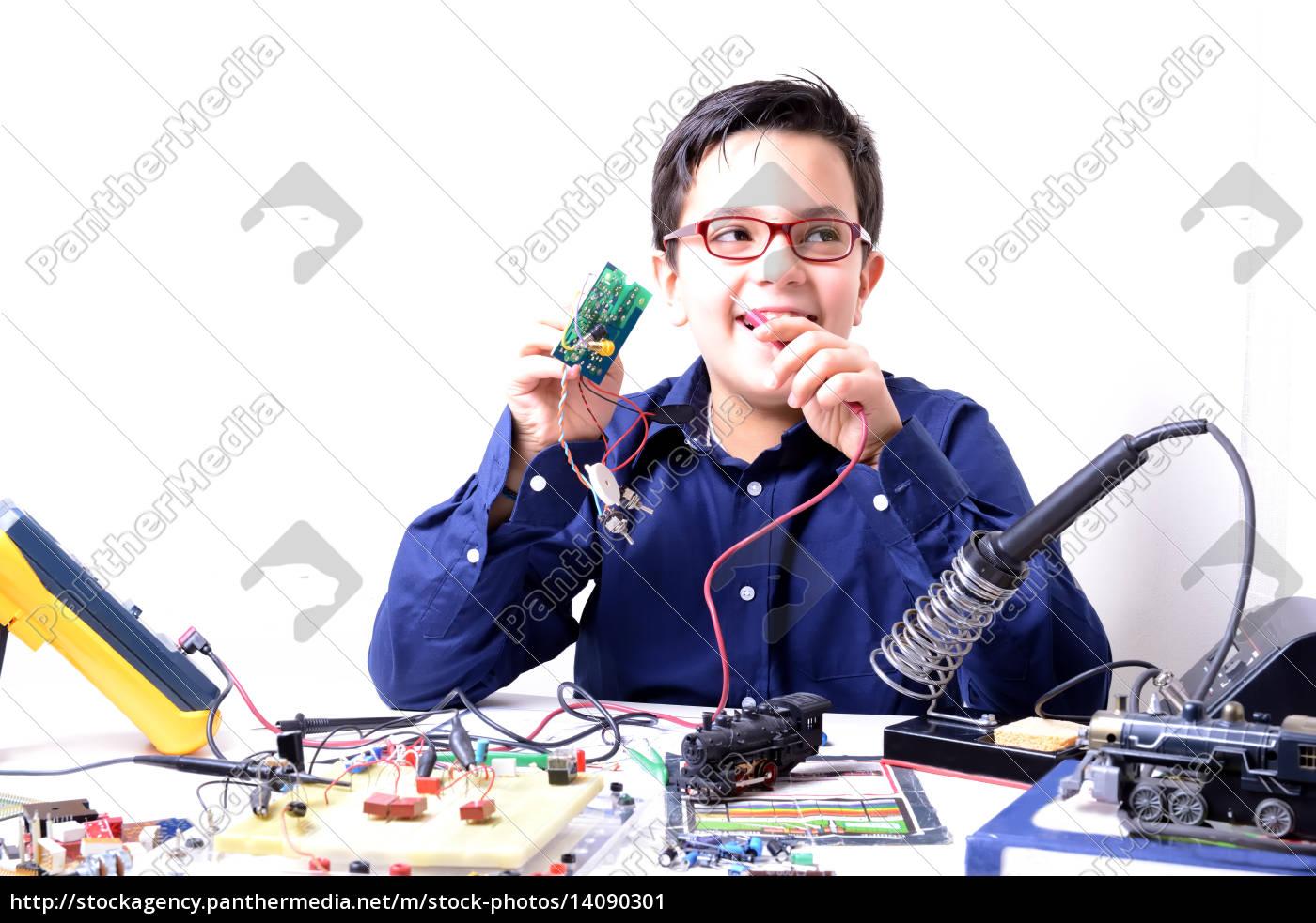 tools, electronics, experiments, student, kid, accomplishment - 14090301