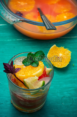 freshly, squeezed, juice, from, tropical, fruits - 14091927