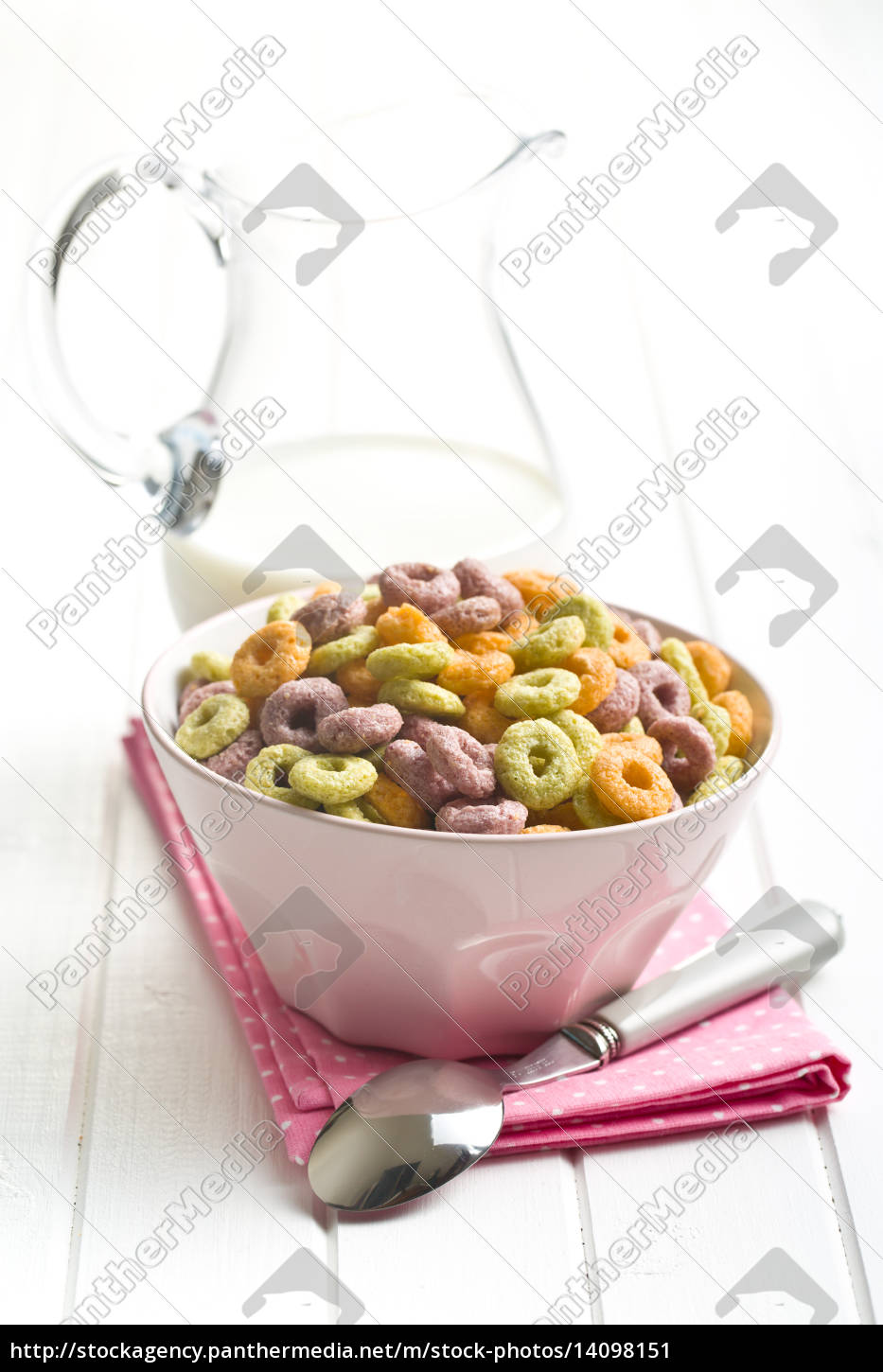 colorful, cereal, rings, in, bowl - 14098151