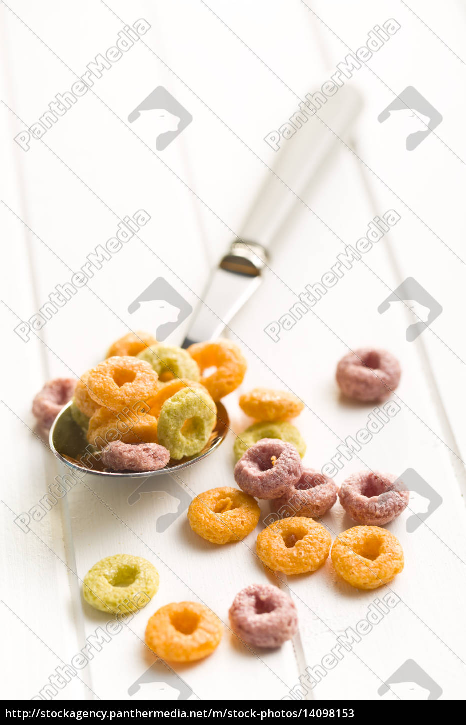 colorful, cereal, rings, in, spoon - 14098153