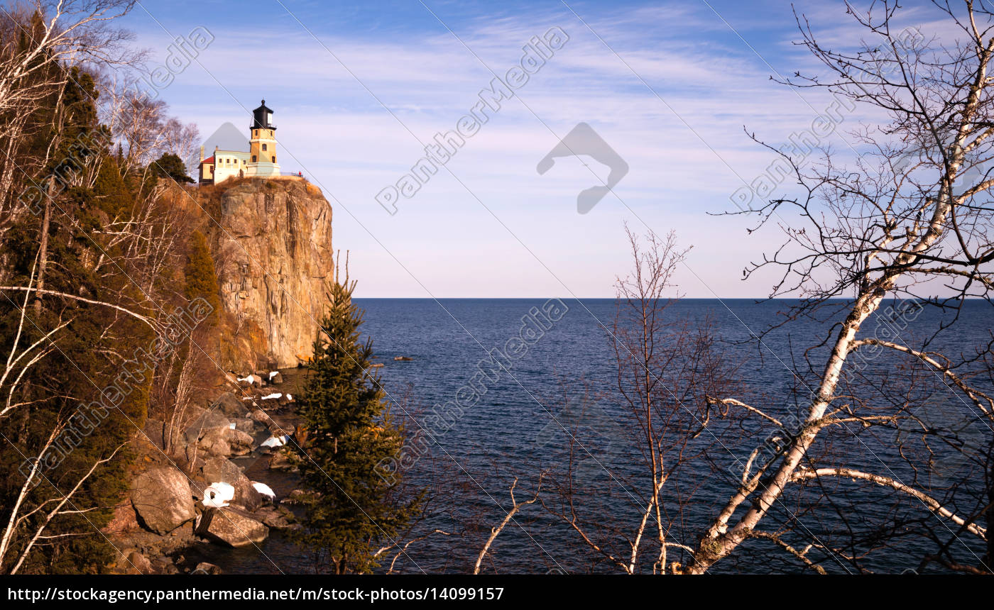 split, rock, lighthouse, lake, superior, minnesota - 14099157