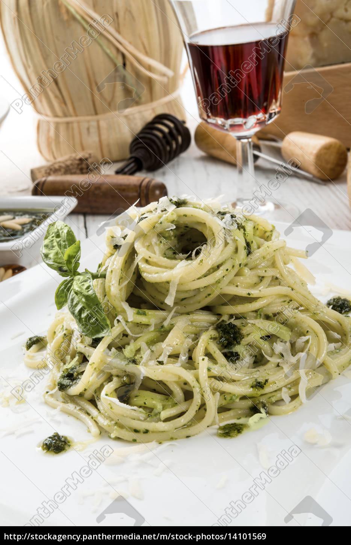 pasta, with, pesto, alla, genovese - 14101569