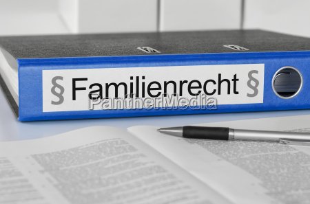 file folders labeled family law