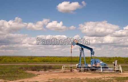 texas oil pump jack fracking crude