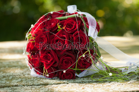 bridal bouquet red roses