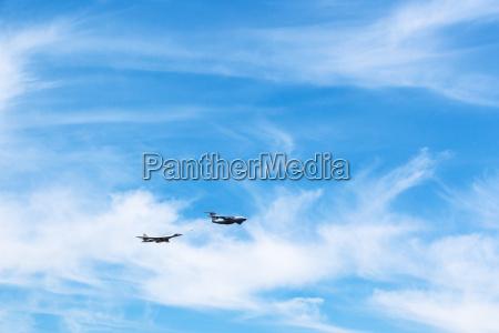 air refueling of strategic bomber aircraft