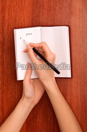 writes notes