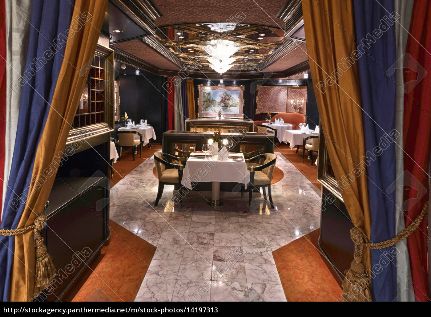 luxury, classic, restaurant, with, beautiful, table - 14197313