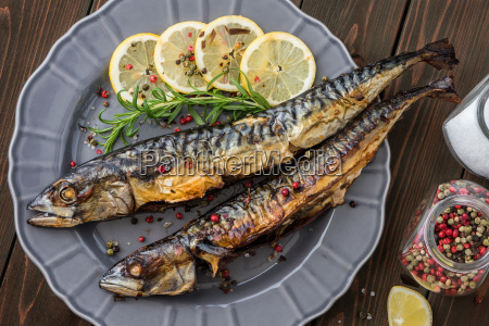 baked mackerel fish with herbs and