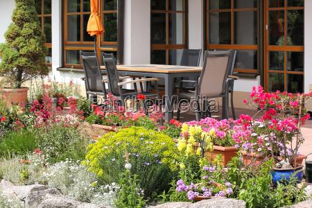 steingarten with seat