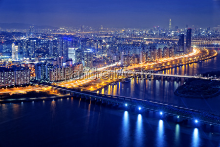 seoul at night south korea