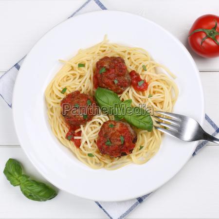 italienische kueche spaghetti mit hackfleischbaellchen nudeln