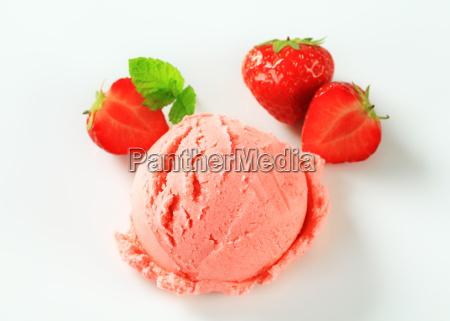 strawberry ice cream