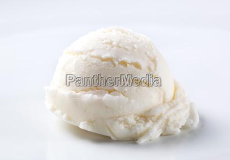 scoop of white ice cream