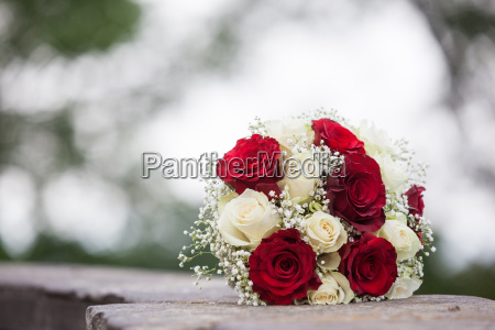 bridal bouquet of white and red