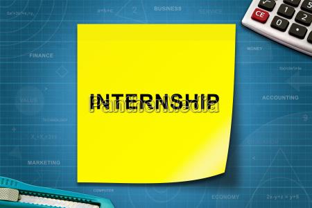 internship word on yellow note