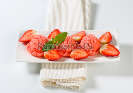 strawberry sherbet with fresh strawberries
