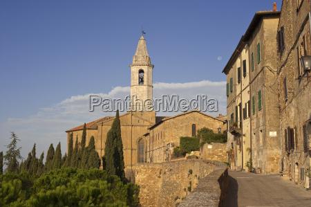 via delle amore duomo pienza tuscany