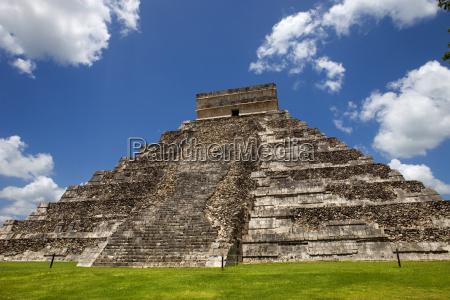 monumento piramide punto di riferimento antico