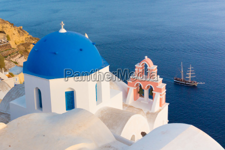 oia village on santorini island greece