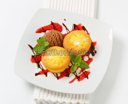 custard filled muffins with ice