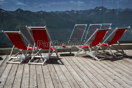 loungers at the adler lounge hohe