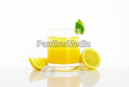 glass of lemon juice drink