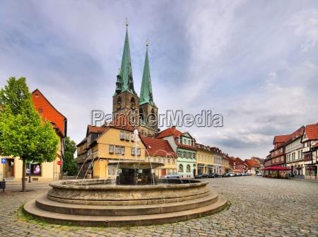 quedlinburg fountain quedlinburg well 01