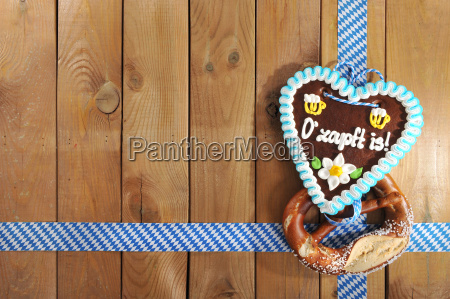 bavarian oktoberfest gingerbread heart