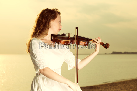 the blonde girl with a violin
