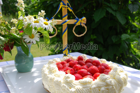 cake with strawberries and cream at