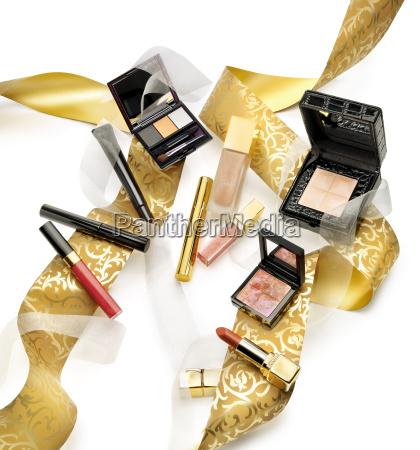 kosmetik und make ups in einem